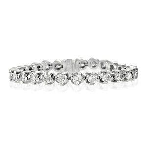 Round brilliant cut diamond ladies tennis bracelet